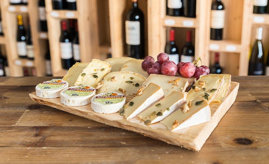 Plateau de fromages au lait cru, camembert fermier, rocamadour